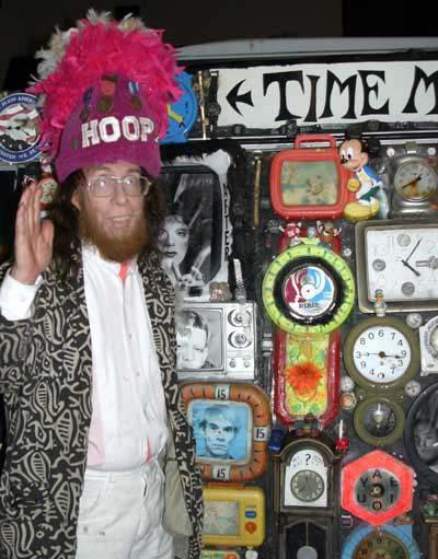 [img]http://www.jackiecurtis.com/Photo%20Album%2001/HOOP-Time-Machine.jpg[/img]